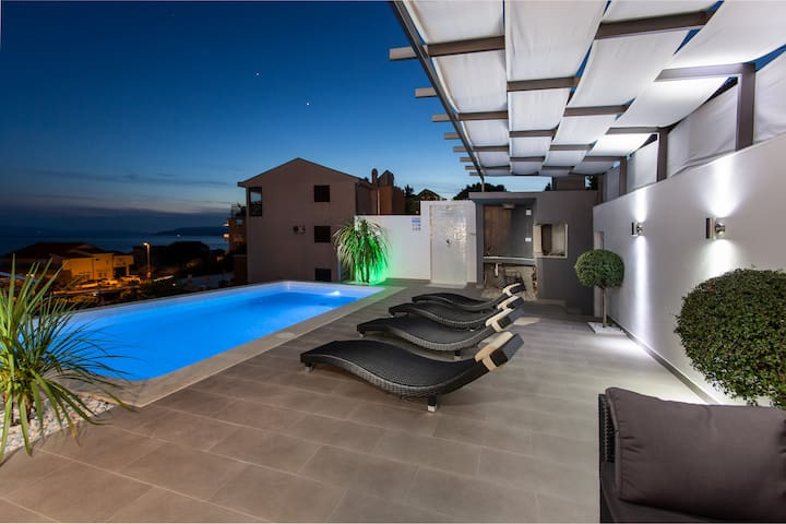 Villa Palladium with penthouse,pool and jacuzzi - Macarsca - Villa