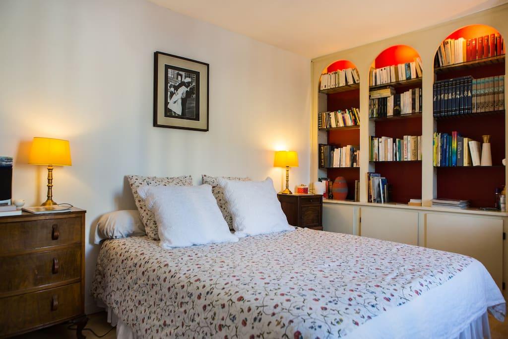 Chambre avec vue imprenable appartements louer for Appartement bordeaux 40m2