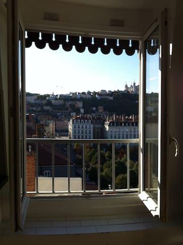 2 pièces place bellecour Lyon 2. - Lyon - Apartment