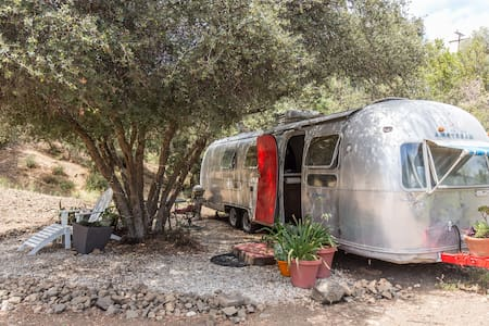 The heart of the Malibu mountains - Agoura Hills - Camper/RV