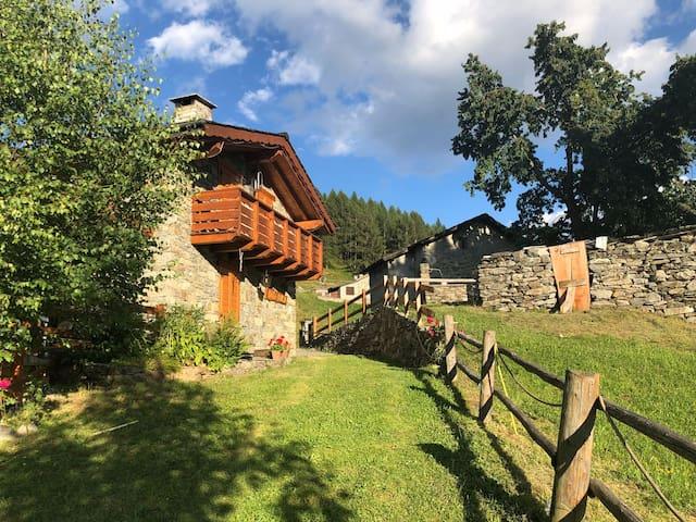 """""""Baita Carnale"""", Montagna in Valtellina"""