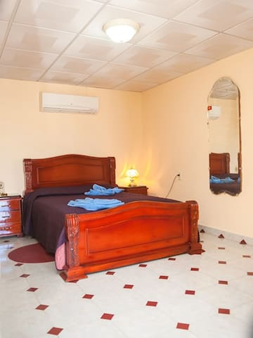 Puchy's House - Room1 - Camagüey - Appartement