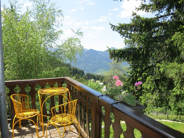 Chalet with a spectacular view! - Le Biot - Casa