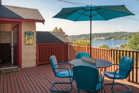 2BR Bay View Bungalow in Poulsbo - Haus