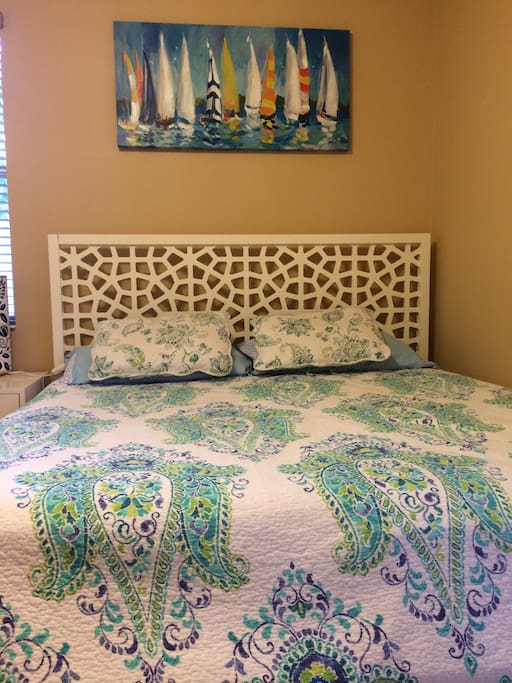 Guest bedroom - King size bed.