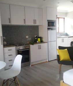 The Courtyard Cottage - Johannesburg  - Appartement