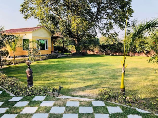 Romantic Stay - Bachelors - Private Party and much