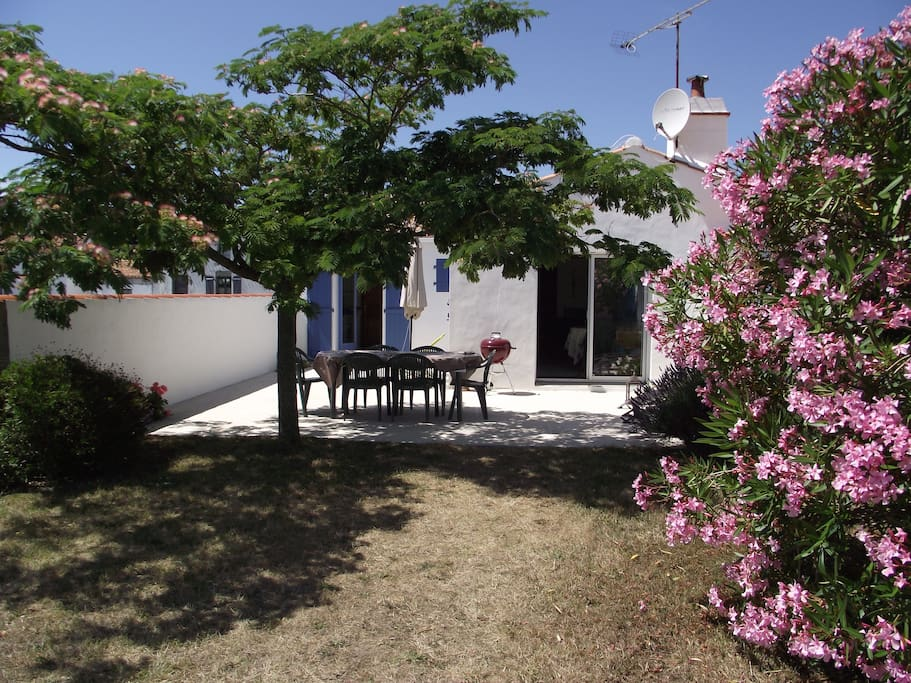 Maison Lumineuse 1 5 Km De La Mer Houses For Rent In