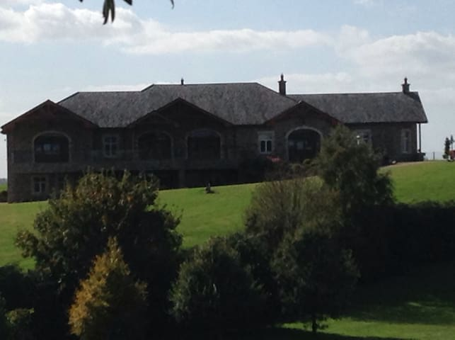 Countryside Bliss & Golfers Heaven. - Tullamore - Casa