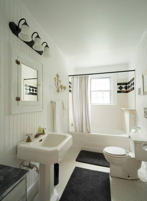 Guest bathroom with original fixtures