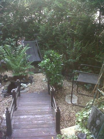 insolite Jardin Florence atelier-galerie d'artiste - Nancy - Daire