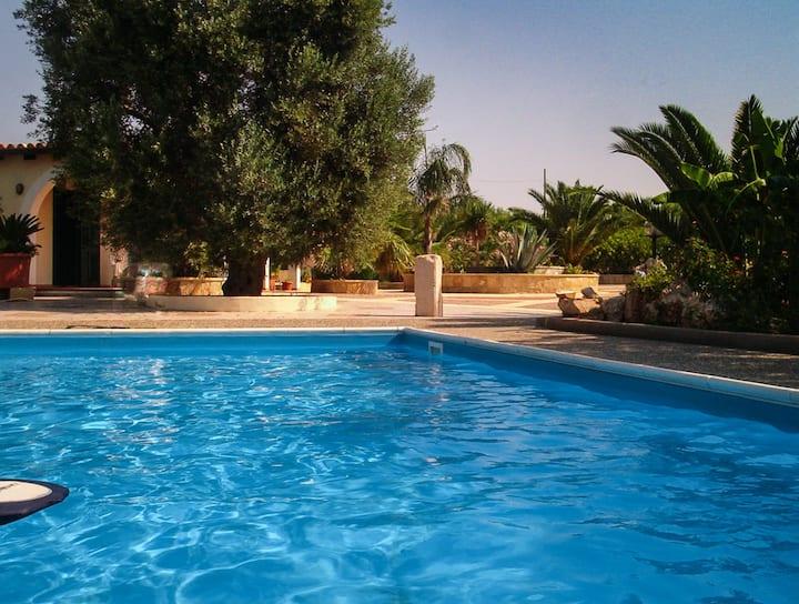 Villa di campagna in Pescoluse SCONTI 06/18-09/18!