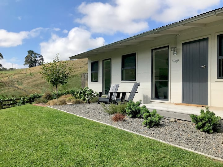 Karaka Cottage- lovely rural setting