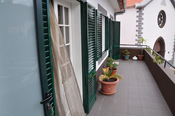 Cosy house near the beach - Machico - Rumah