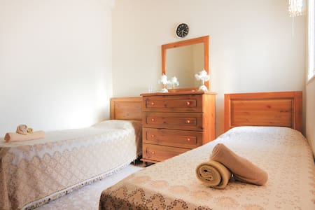 Room with 2 beds near Valletta - Pieta - House