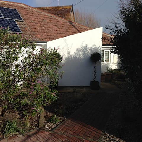 Double room in modern house by sea. - Sheringham