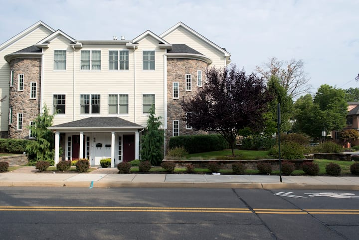 Stunning 3BR in Downtown Princeton
