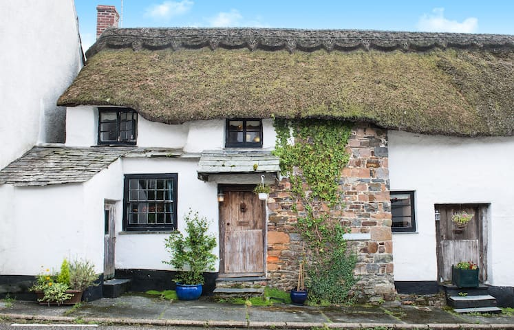 Romantic Thatched Cornish cottage - Townsend - Haus