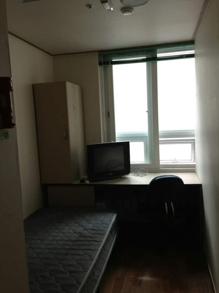 용인 단국대 개인 숙박가능한 싸고 컬리티좋은 방입니다.