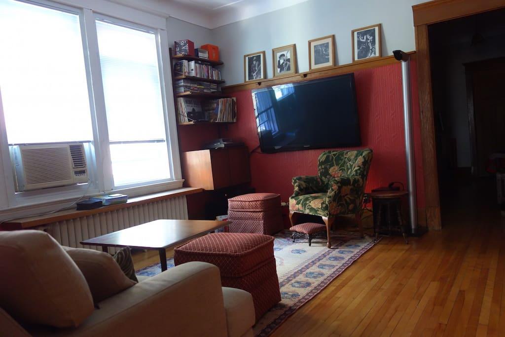 "Living room, large 55"" flat screen Panasonic plasma TV, PS3 for Netflix, high speed WFI"