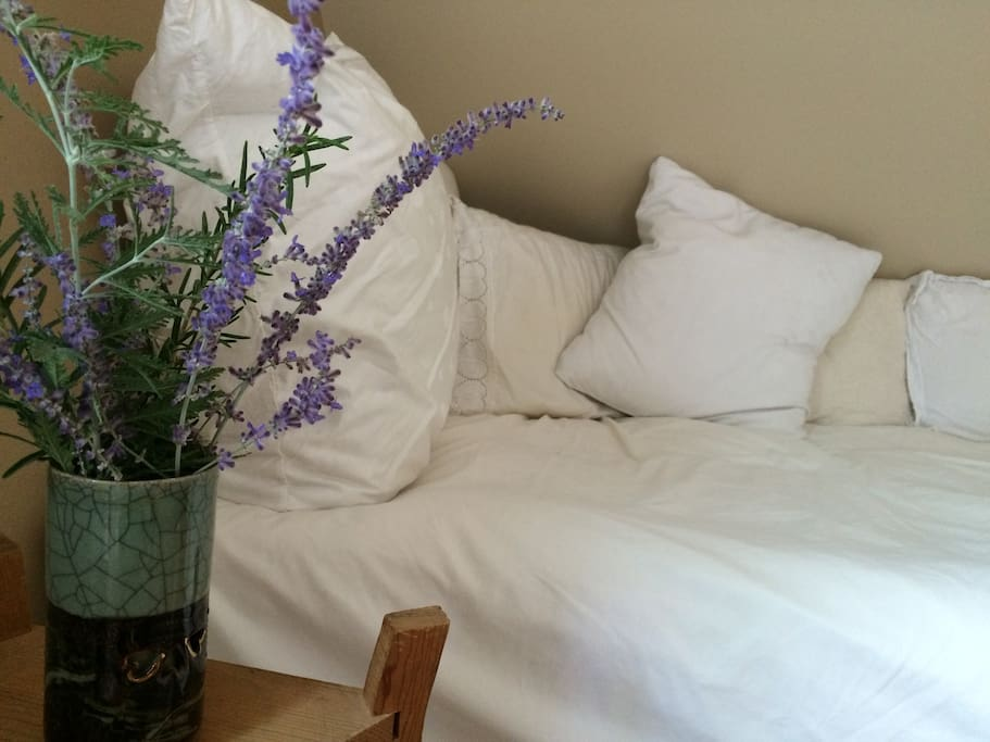 Sweet comfort in the form of a feather bed!