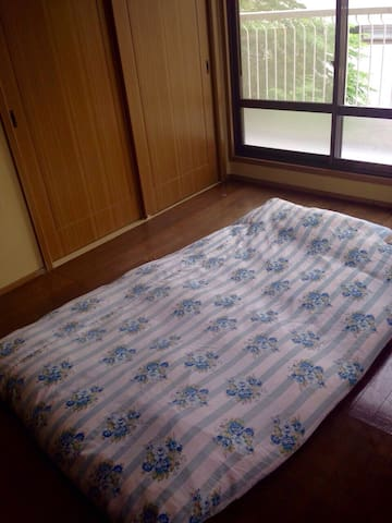 English available, Futon no meals - 津市 - Casa