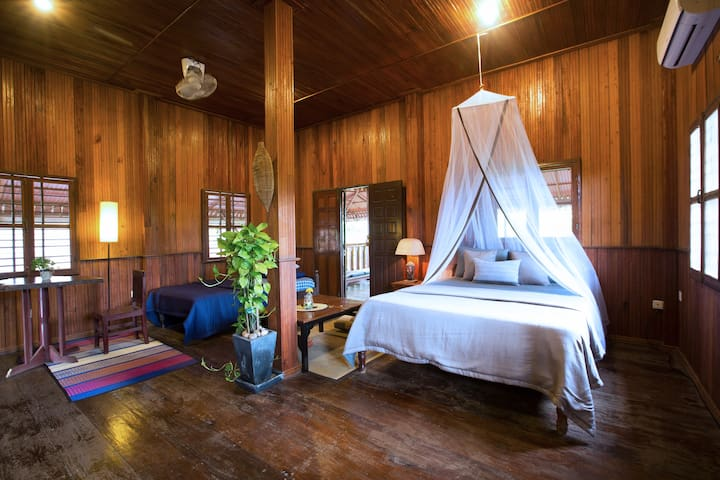 Our  Wooden House - Comfort & Style - Siem Reap  - Huis