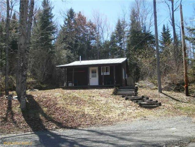 Rock Hill Cabin near Long Pond - Jackman - Houten huisje