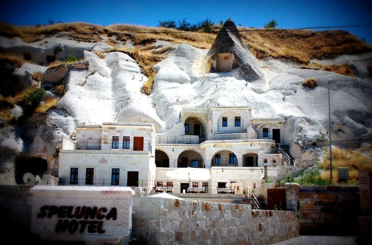SPELUNCA CAVE HOTEL 2 person - Göreme - Bed & Breakfast