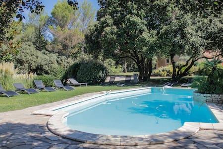 Villa jacuzzi piscine sauna - Saint-Cannat
