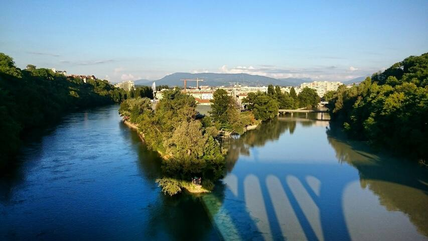 Bright apt in Plainpalais/Jonction - Genève - Lägenhet