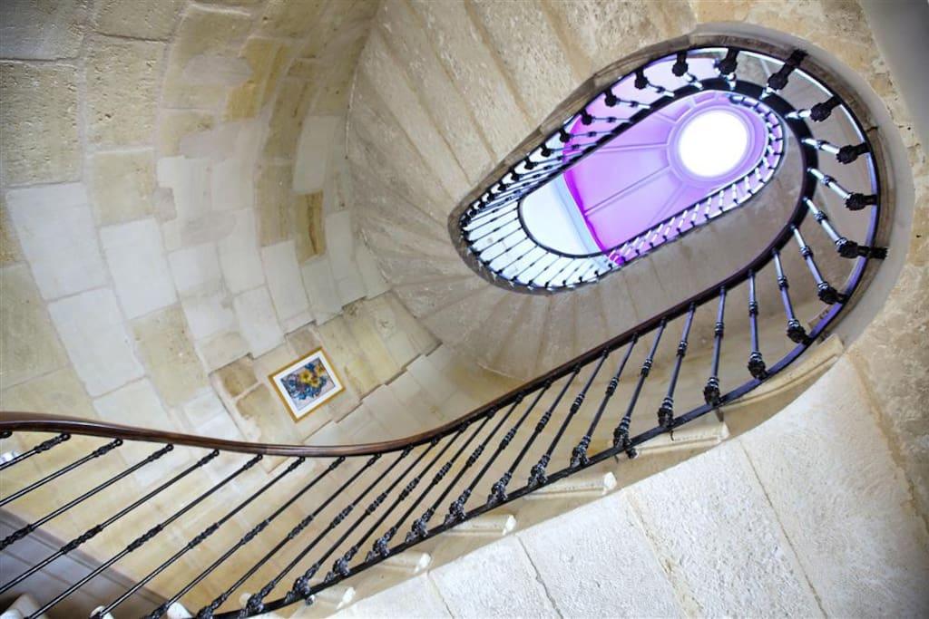 Escalier en pierre en voûte sarrasine