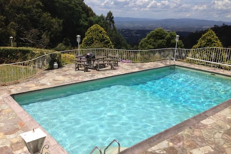 Pristine Hills Resort with salt pool. - Olinda - 独立屋