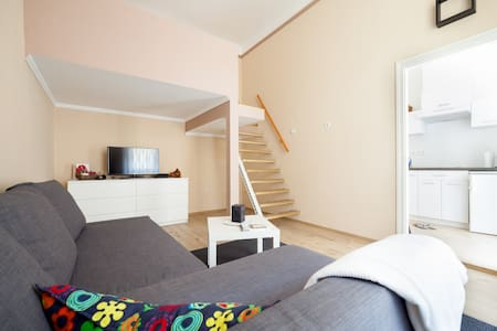NEW nice&cheap , little apt in center + massage ! - Budapest