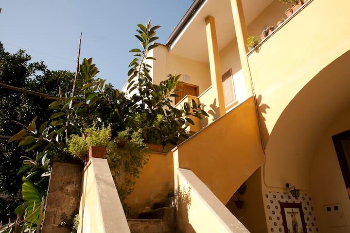 private bedroom apt in old Sorrento - Sant'Agnello - Apartamento