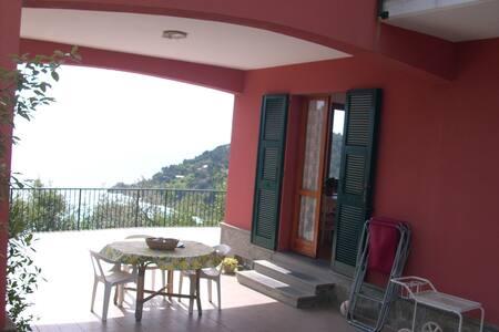 Vista mozzafiato a pochi km dalle Cinque Terre - Bonassola - Huoneisto