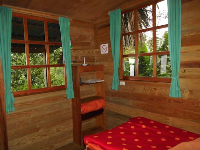 Habitación con dos camas unipersonales