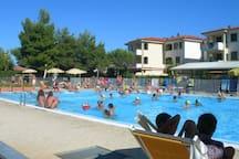 La piscina del Residence.