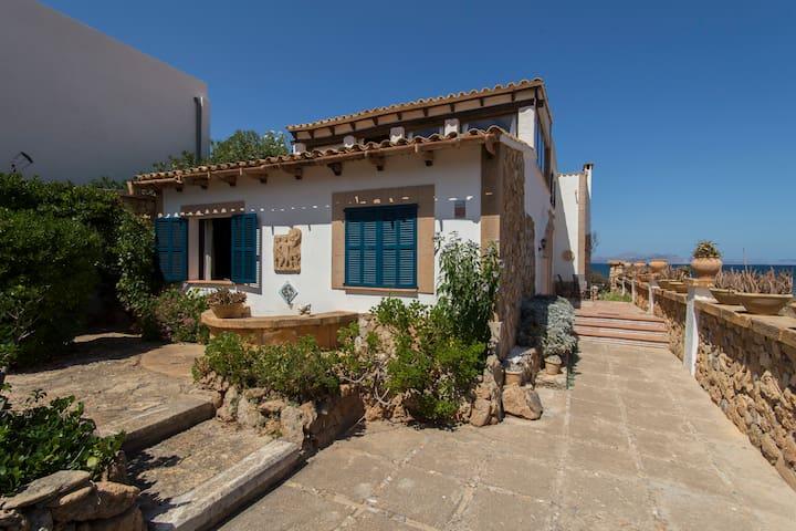 Seafront house in Mallorca - Urbanització s'Estanyol - Huis