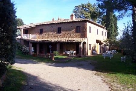 Villa Padronale con piscina - Montaione - Villa