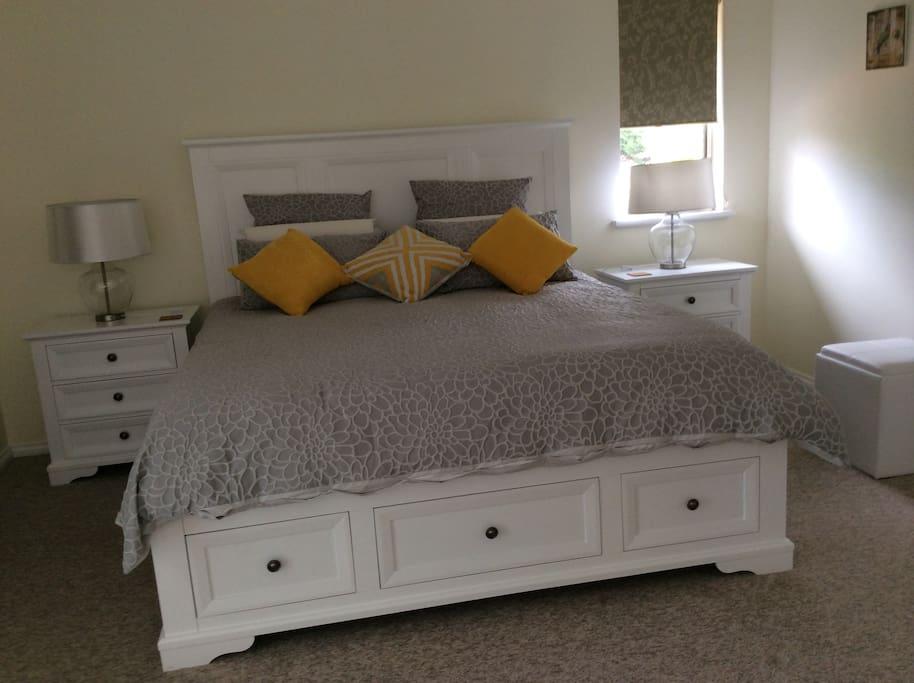 Main bedroom has a king size bed & en-suite