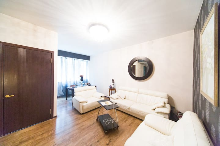 Cosy 2BD flat, Central Tbilisi - Tbilisi - Apartment