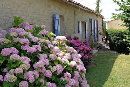 Gorce Petit Verdot chambres d'hôtes - Massugas