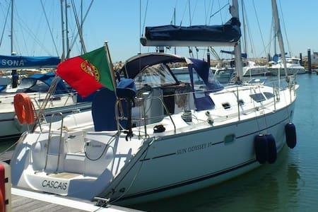 Sailing Boat & Lovely Marina - Lisboa - Boot