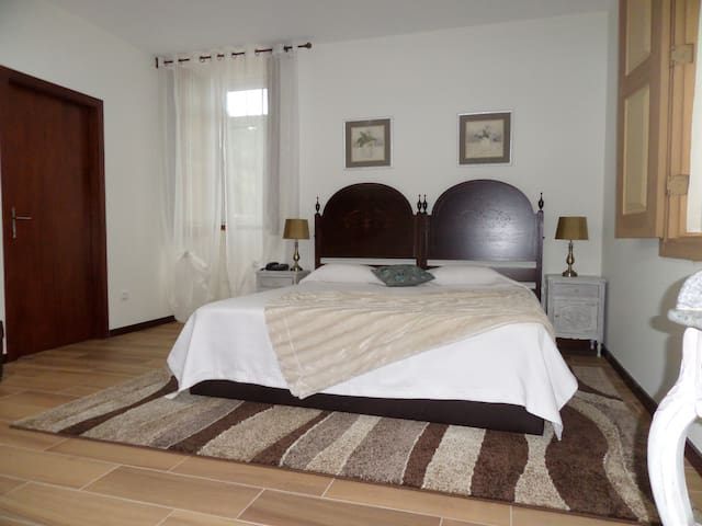 Casa Grande do Seixo Suite - Chaves - Bed & Breakfast
