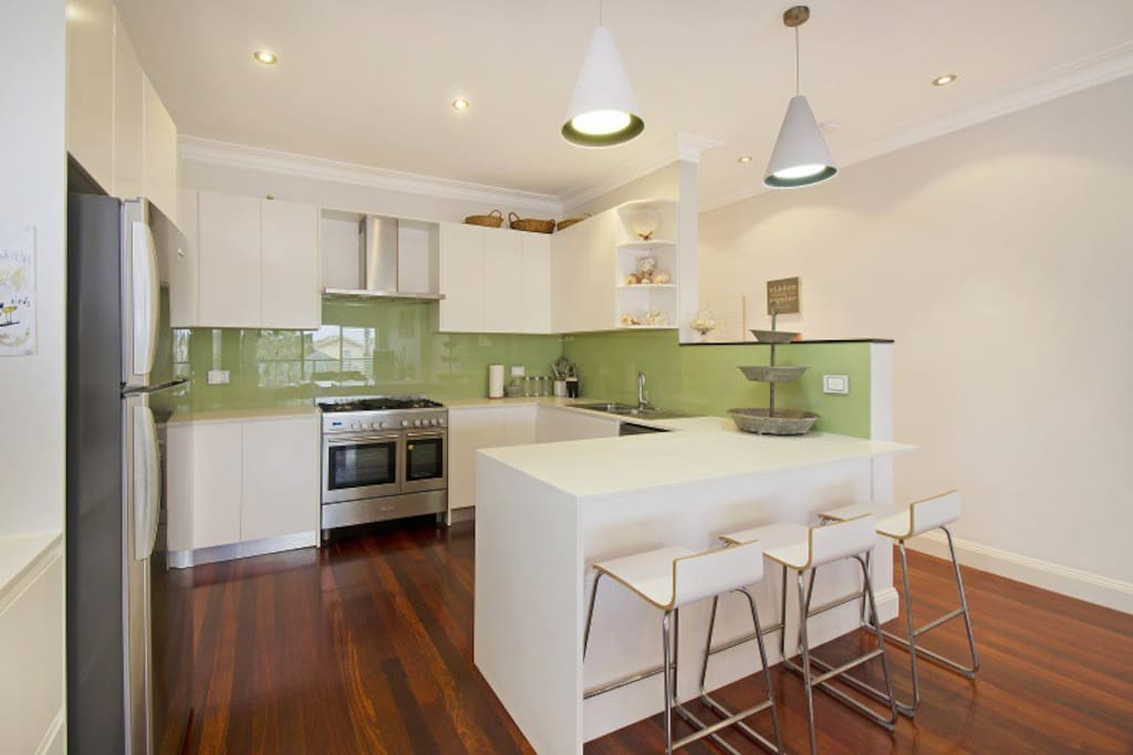 Newly renovated and well equipped kitchen.