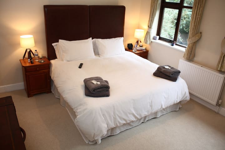Your Comfy Super King Sized Hypnos Bed With Egyptian Cotton Bedding And Fluffy Towels