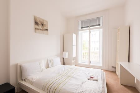 Riverside room Westminster-Pimlico - London - House