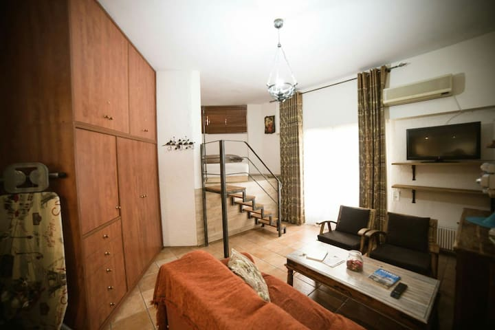 The Heart of Plaka Apartment