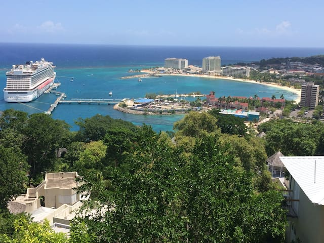 Studio apartment in Sky Castle - Ocho Rios - Lejlighed